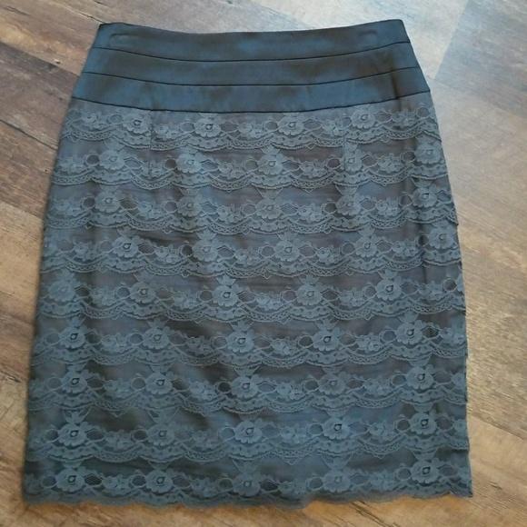 H&M Dresses & Skirts - H&M Black and Grey Skirt